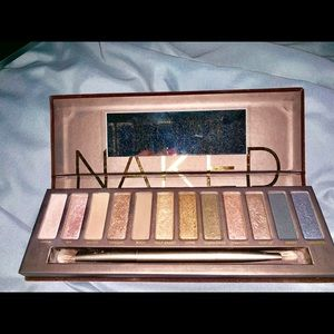 Urban Decay discontinued makeup palette